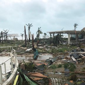 Hurricane Irma slams Turks and Caicos on path to Florida