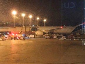 Police shoot armed man at Miami airport amid Irmaevacuation