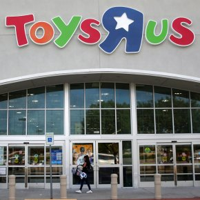 Toys R Us joins bankruptcy list as Amazon exertsinfluence