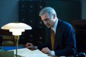 Liam Neeson sees parallels between Trump, Nixoneras