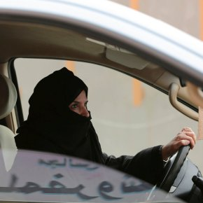 Saudi women will be allowed to drive in the kingdom in2018