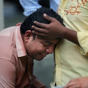Stampede on crowded Indian pedestrian bridge leaves 22dead