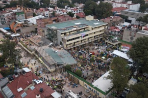 Mexico bars quake-collapsed school in capital fromoperating