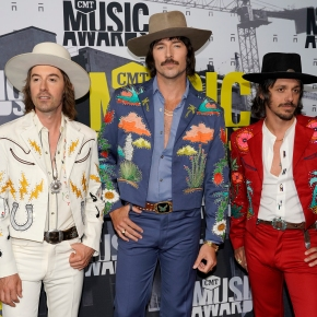 Country trio Midland bring traditional country back toradio