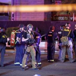 Feds: No specific threat to public venues after Vegas attack