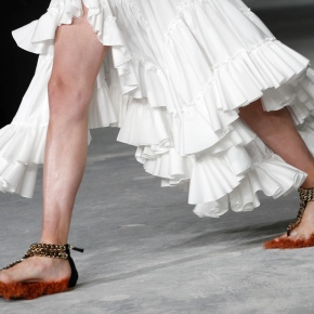 Stella McCartney takes on the '80s at Paris FashionWeek