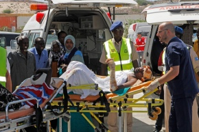 Somalia truck bombing toll over 300 as funeralscontinue