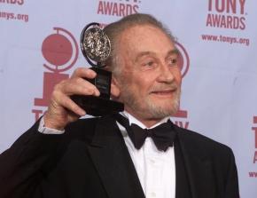 Veteran British actor Roy Dotrice dies aged94
