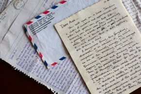 Letters from young Obama show a man trying to find hisway