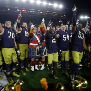 AP Top 25: Notre Dame cracks top 10; Michigan drops out