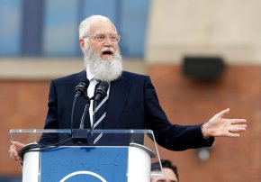 No joke: TV host Letterman honored with Mark TwainPrize