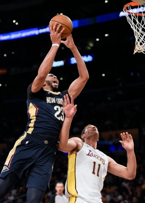 Pelicans hold off late Lakers rally for first win, 119-112