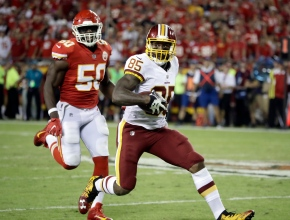 Redskins' Vernon Davis going strong and long downfield at33