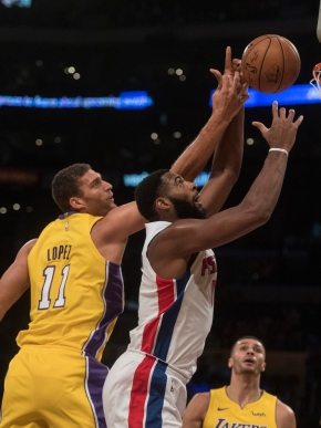 Ball, Lakers romp to 113-93 win over Pistons