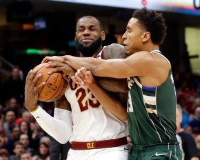 Love's 32, LeBron's 30 push Cavaliers past Bucks 124-119