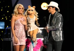 Carrie Underwood, Paisley celebrating a decade as CMAhosts