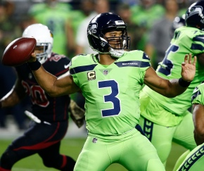 Wilson throws 2 TD passes, Seahawks win again in Arizona