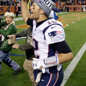 Brady, Patriots send Broncos to fifth straight loss, 41-16