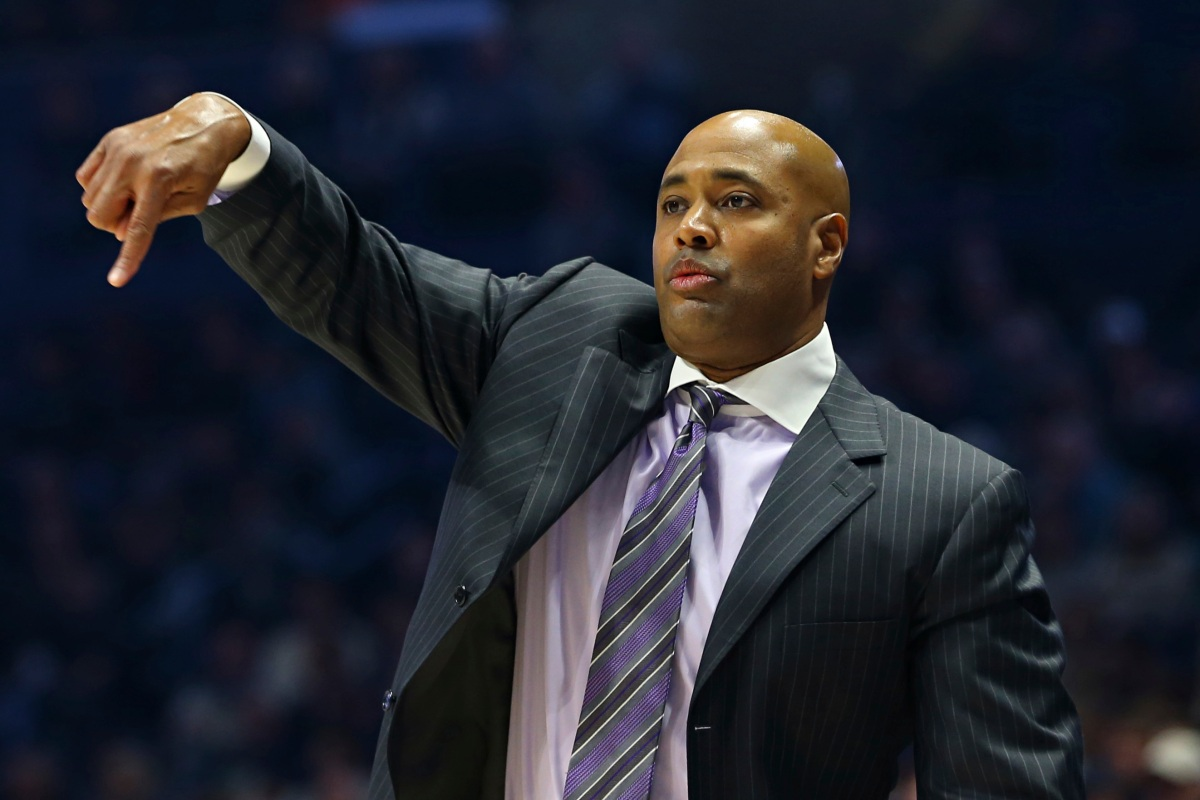 Bluiett scores 26 as No. 15 Xavier beats Rider 101-75