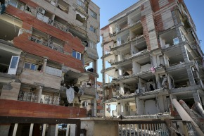 Iran to probe state-built homes destroyed by deadlyquake
