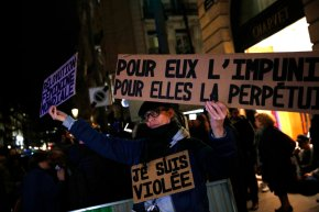 France wrestles with the line between seduction,harassment