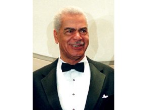"""Cosby Show"" actor Earle Hyman dies at 91"