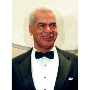 """""""Cosby Show"""" actor Earle Hyman dies at91"""