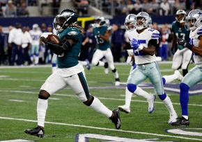 Wentz, Eagles roll over Cowboys 37-9 after losing kicker