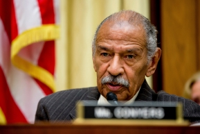 Conyers steps aside from Judiciary post amid sexallegations