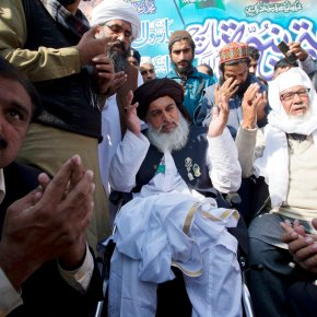 Pakistan law minister resigns, Islamists celebratevictory