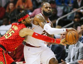 James, Love lead Cavs past Hawks for 10th win in a row